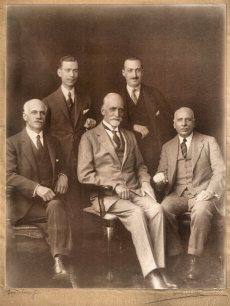 sassoon-shoshans-family