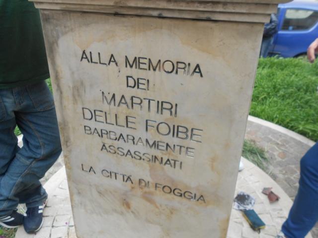 monumento foibe piazza martiri triestini-2