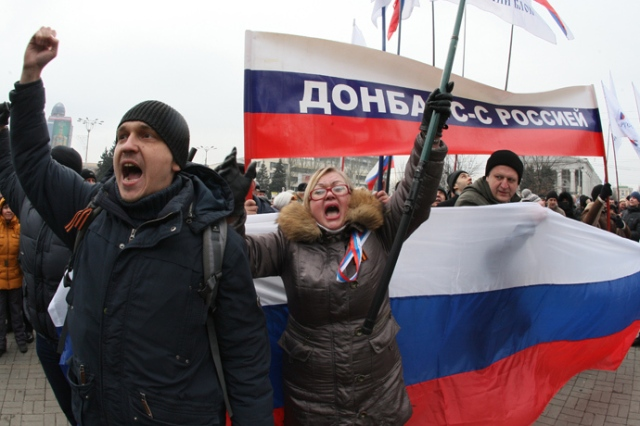 anti-maiden-pro_russian-protesters-4