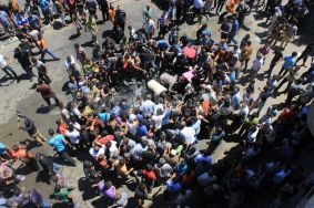 1404823000-five-martyrs-in-israeli-shelling-targeted-a-vehicle-in-gaza-city_5201512