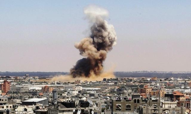 gaza-airstrikes-2014july-900